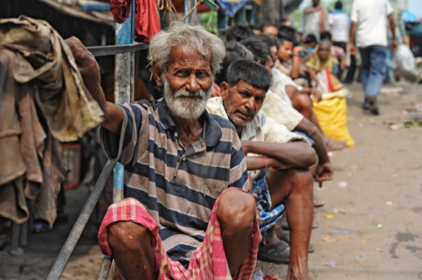 India has the largest number of people living below the poverty line of $1.25 per day. © Hung Chung Chih | Shutterstock.com