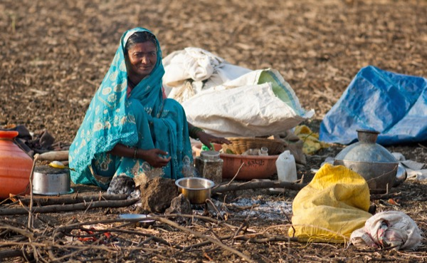 Mother living in extreme poverty with no hope of nancial help from the government.