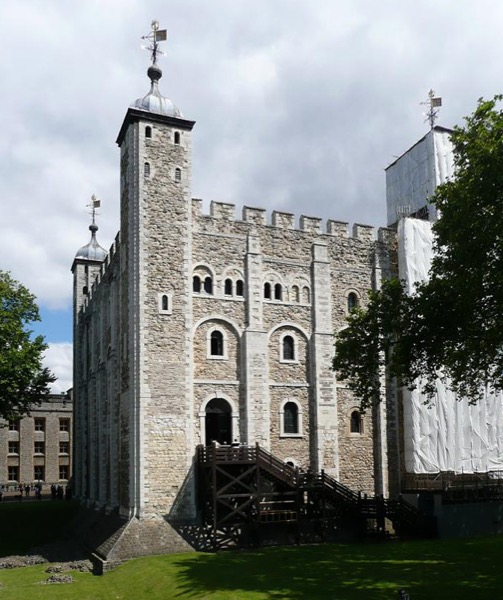 The Tower of London, originally begun by William the Conqueror to control London. (Accessed via Wiki Commons)