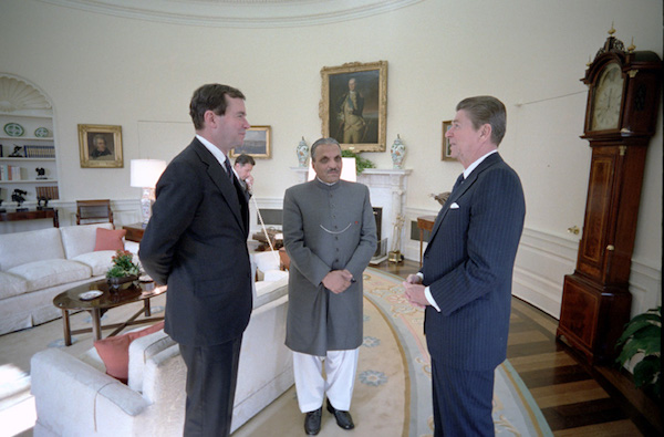 Pakistani President Muhammad Zia-ul-Haq, who established Ordinance XX which declared Ahmadis to be non-Muslims, meets with U.S. President Ronald Reagan in the Oval O ce in 1982. (Accessed via Wiki Commons).