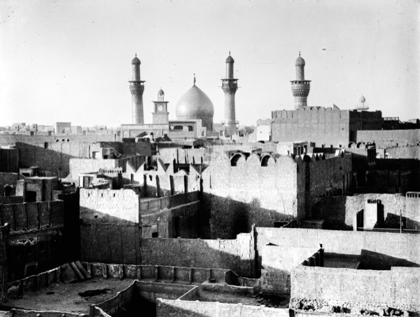 A view of the Imam Hussain Mosque in the city of Karbala in 1932. In 680 A.D., Hazrat Hussainra, grandson of the Holy Prophetsa, was martyred in the city. Courtesy of the Eric and Edith Matson Photograph Collection.