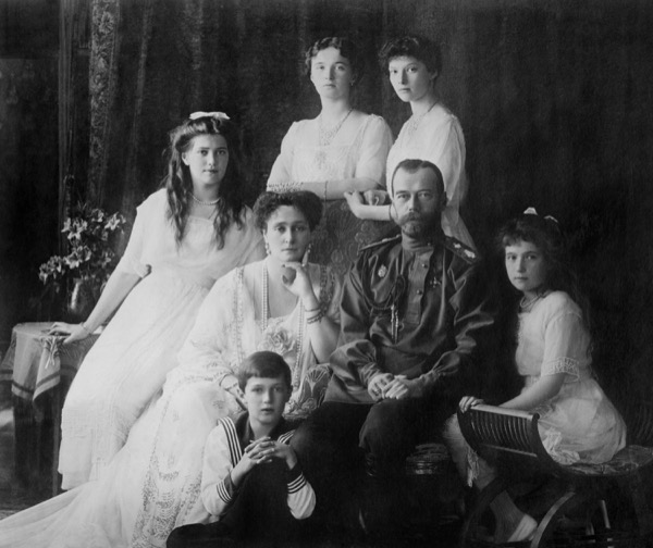The Russian royal family, shown here in an image from 1914, were captured and killed after the revolution, in accordance with the prophecy shown to the Promised Messiahas himself. © Everett Historical | Shutterstock.com